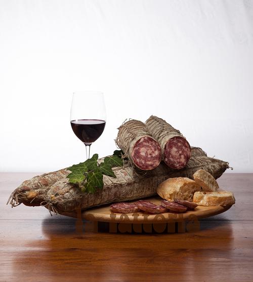 Salame-nostrano-antica-tradizione-ricetta-nonno-Lorenzo