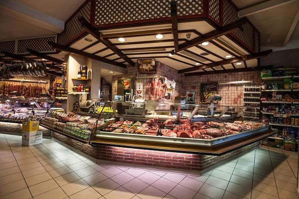 macelleria-la-fattoria-1946-vitelli-piemontesi-bue-grasso-cappone-agnello-cuneo-cervasca