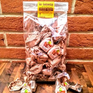 cioccolatini-cuneesi-basin-di-fusan-rhum-crema-cioccolato-occelli-la-fattoria-1946-piemonte-shop (2)